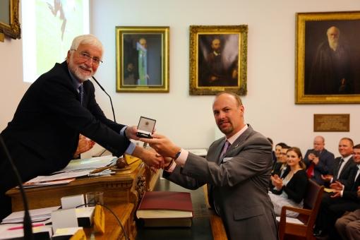 Dr Steve Portugal_Bicentenary Medal.jpg